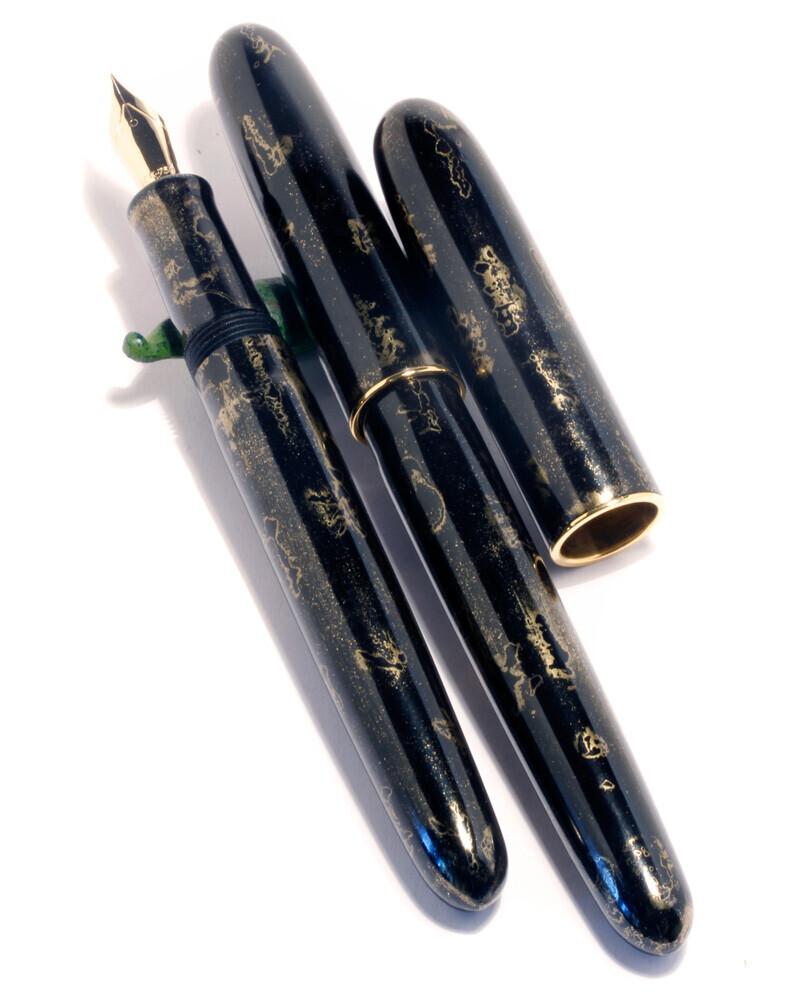 MIYABI SHIBUI Füllfederhalter von MANU PROPRIA, lackiert mit AO KINKUMO Urushi-Lack. 03